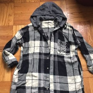Oversize long shirt with removable hoody